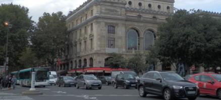 パリ・シャトレ駅・メトロ目の前の通り。